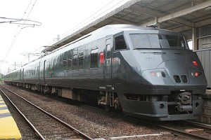 787 series was started to use for Midori on Mar 12, 2011. (C) Sonic Rail Garden