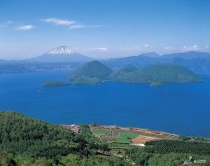 Lake Toya (C)Toyako Tourist Association