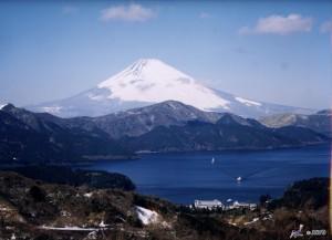 Mt.Fuji and Lake Ashi (Ashinoko) at Hakone ©Akira Okada/©JNTO