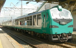 Resrot Shirakami Buna formation is operated by KIHA40 Buna cars.