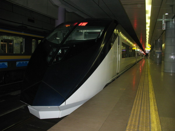 AE series for Skyliner is designed by one of the most famous designer, Kansai Yamamoto. (C) JP Rail