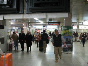 It is around ticket gate at Keisei Ueno station. This station is very small and crowded. (C) JP Rail